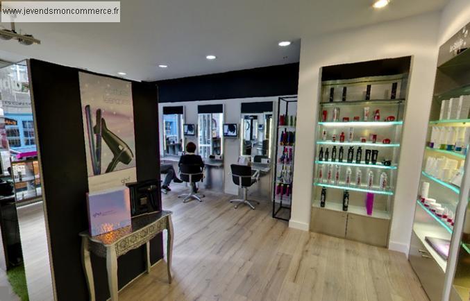 Salon de coiffure c der dans ville moyenne for Achat salon coiffure