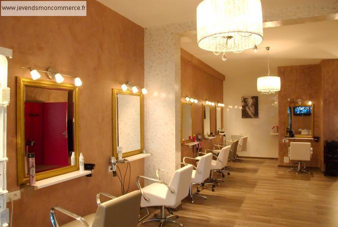 Salon de coiffure bronzage maquillage paris vendre paris for Local a louer pour salon de coiffure