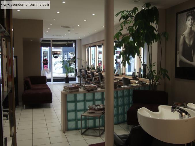 Vend beau salon de coiffure lyonnais lyon vendre rh ne 69 for Local a louer pour salon de coiffure