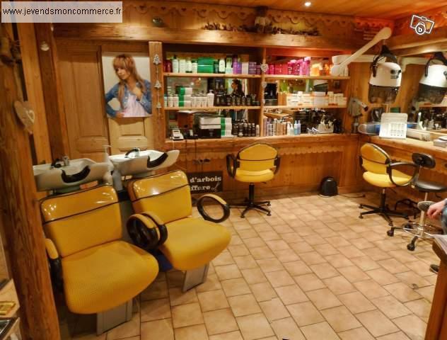 Coiffure mixte ou droit au bail ts commerces meg ve for Local a louer pour salon de coiffure